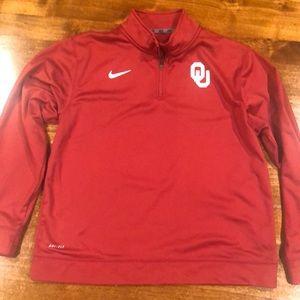Boys Nike OU pullover size XL.
